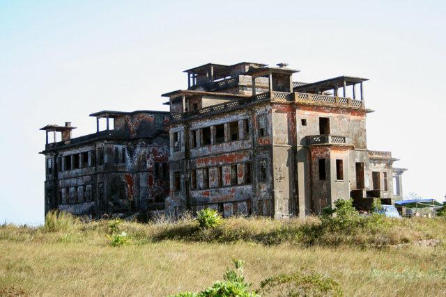 Bokor Palace, 2007.Author: MatnkatCC BY 2.5