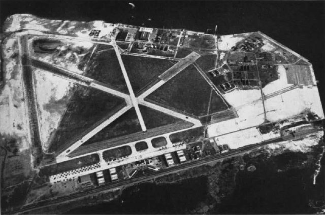 Aerial view of NAS New York in the mid-1940s