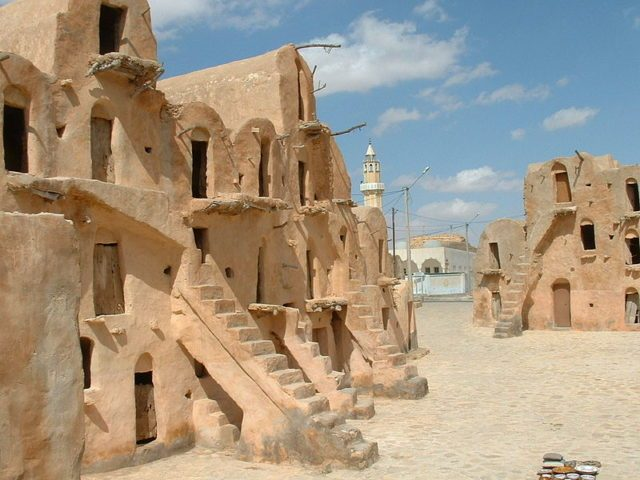 A fortified granary, built by Berber tribes. Author:Asram CC BYSA3.0