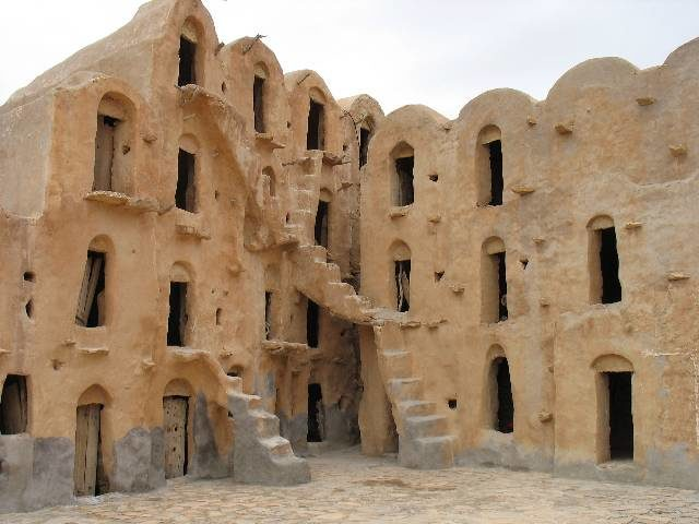Multi-level ghorfas, as seen at Ksar Ouled Soltane in southern Tunisia. Author:Andy CarvinCC BYSA3.0