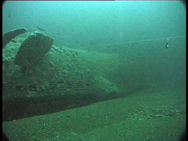 The line links our shotline to the wreck. It was dragging in the current and we nearly missed the site entirely. The entire U-boat looks band new! (Innes McCartney).