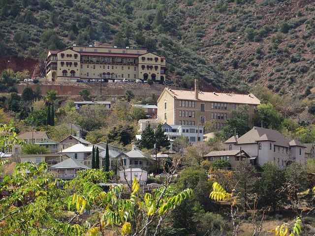 View of the town – Jerome, Arizona.Author: Ken LundCC BY-SA 2.0