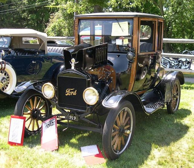 1919 Ford Model T Highboy Coupe. Author:SfoskettCC BY-SA 3.0