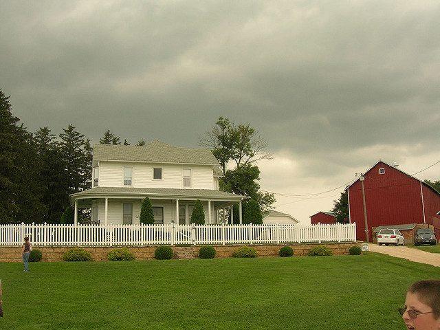 Field of Dreams house.Author:Justin BrockieCC BY 2.0