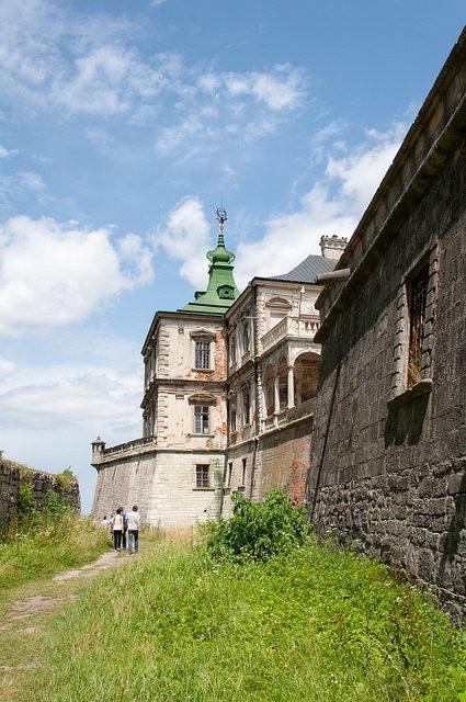 Pidhirtsi Castle, side walls.Author:Bo&KoCC BY-SA 2.0