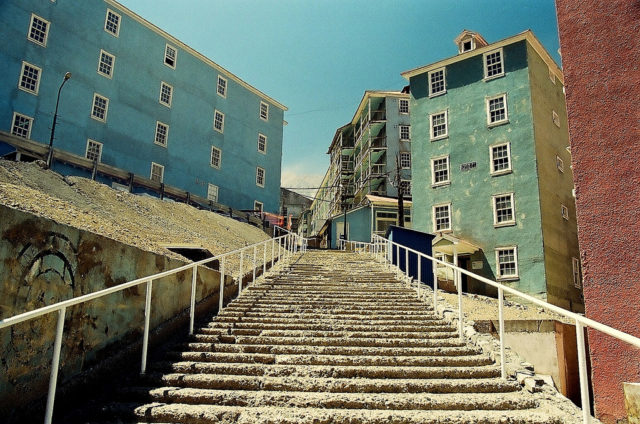 """Often called """"The City of Stairs"""". Author:Rodolfo Pace CC BY2.0"""