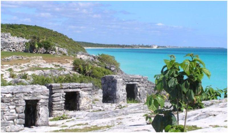 Mayan Ruins at TulumAuthor:ogwenCC BY-SA 3.0