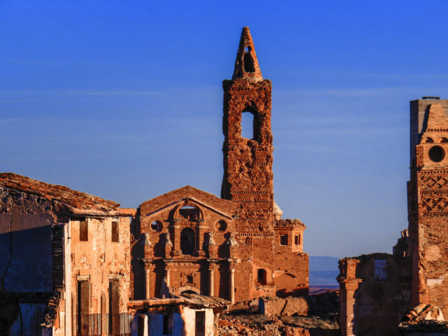 San Martín de Tours church, in the old town of Belchite.Author:Phil Fiddyment CC BY2.0