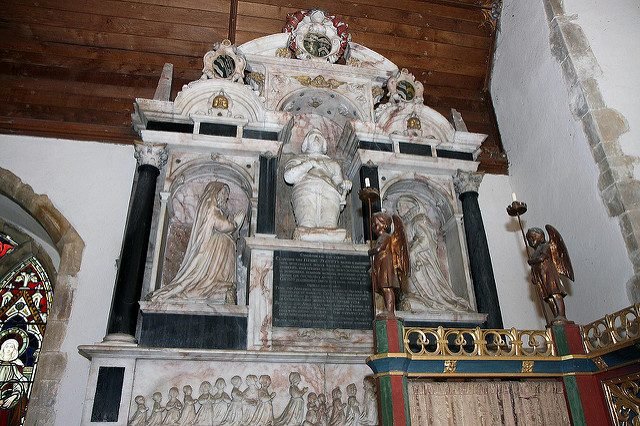 17th-century monument to Sir Thomas Playters sculpted by Edward Marshall. Author: Brokentaco CC BY 2.0