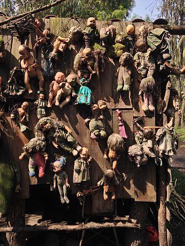 Doll wall.Author:Wa17gsCC BY-SA 4.0