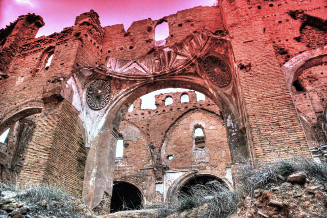 Ruins of Belchite during sunset.Author:David SanzCC BY2.0