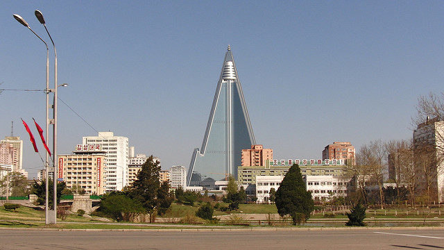 The unfinished Ryugyong Hotel. Author: Comrade Anatolii CC BY2.0