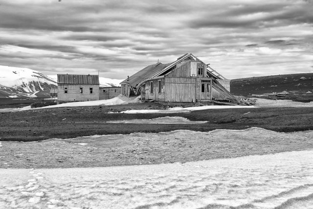 Whaling Station on the island.Author:Christopher Michel CC BY 2.0