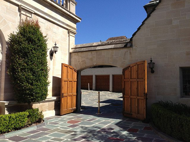 Greystone entryway.Author:adpowersCC BY 2.0