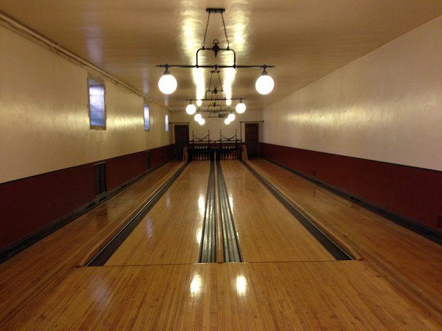 Greystone bowling alley.Author:adpowersCC BY 2.0