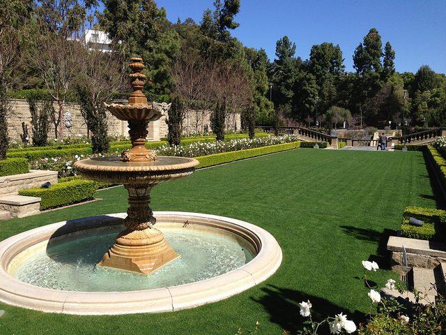 Greystone garden.Author:adpowersCC BY 2.0