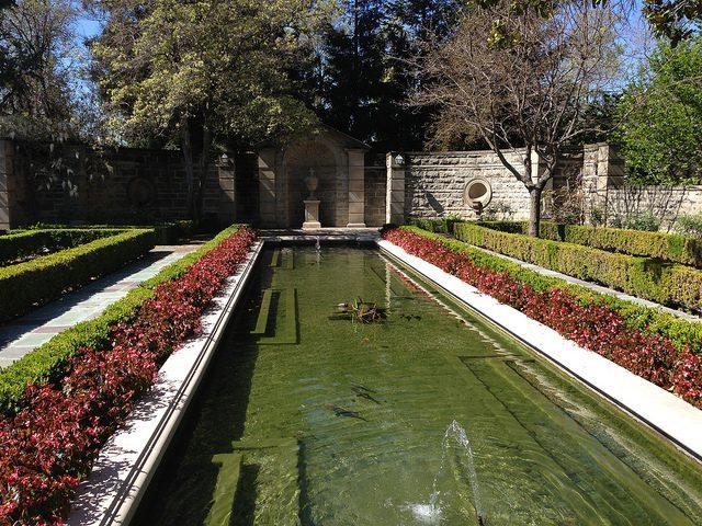 Greystone pond.Author:adpowersCC BY 2.0