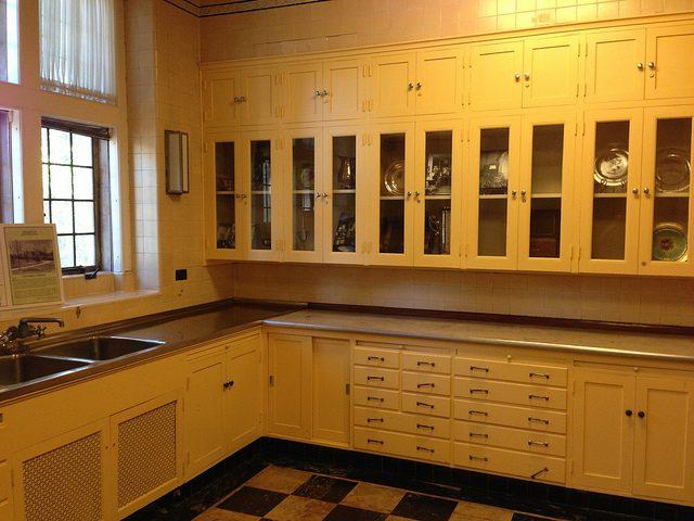 Greystone kitchen.Author:adpowersCC BY 2.0