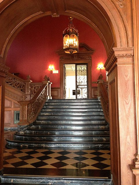 The famous Greystone staircase.Author:adpowersCC BY 2.0