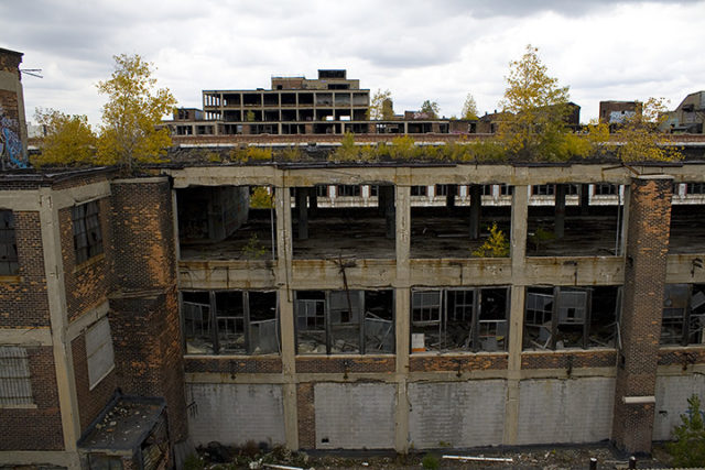 A view of part of the former Packard plant. Author:CsmcmCC BY-SA 3.0