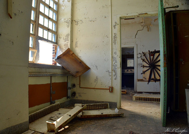 Abandoned room on a sunny day. Most of the main building has now been extensively damaged by fire. Author:Nicole ComptonCC BY 2.0