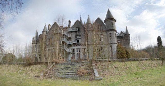 Castle Miranda – Back Side. Author:Pel LaurensCC BY 3.0