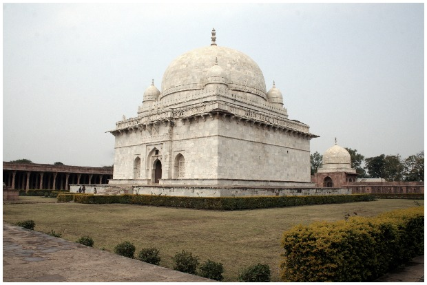 Hoshang Shaha's Tomb Originally known as Alp Khan, he had taken the title of Hoshang Shah or Hushang Shah Gori, when he was crowned the second King of Malwa.Muk.khan CC BY 3.0