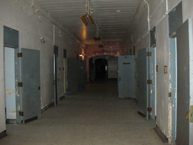 Men's Ward F Hallway.Author: Richie DiesterheftCC BY 2.0