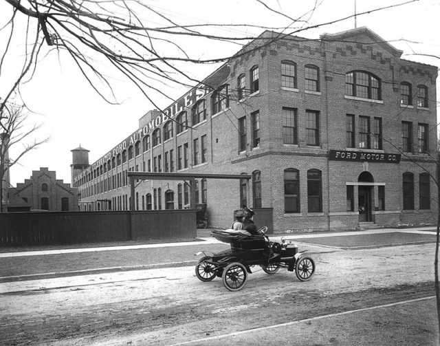 Photograph of the Ford Piquette Avenue Plant in Detroit – taken sometime between 1906 and 1910.