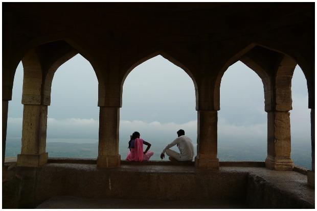 Rupmati's Pavilion – Looking down onto the plains and Narmada river. Varun Shiv Kapur CC BY 2.0