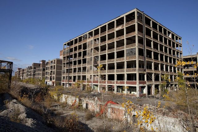 The Western part of the abandoned Automotive Plant. Author:Albert duceCC BY-SA 3.0