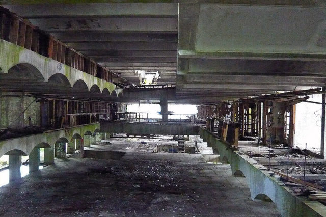 A wide shot of the interior. Author: Mad4brutalism CC BY-SA 3.0