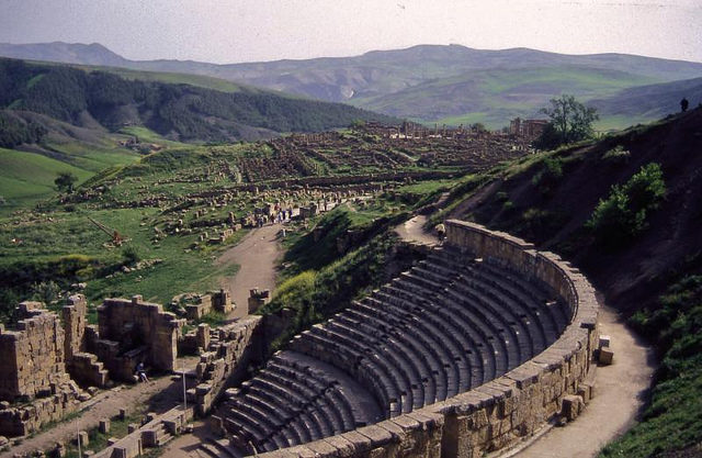 The Roman Theatre of Cuicul is brought back to life once a year for the annual Djémila song festival. Author: Yves Jalabert – Flickr CC BY-SA 2.0