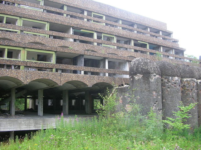 Main block with terraced rooms at St Peter's Seminary. Author: Maccoinnich CC BY-SA 3.0