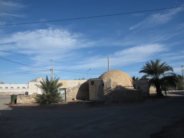 Abandoned house in Port Ajim on the island of Djerba, and the iconic Mos Eisley Cantina. Author:Stefan KrasowskiCC BY 2.0