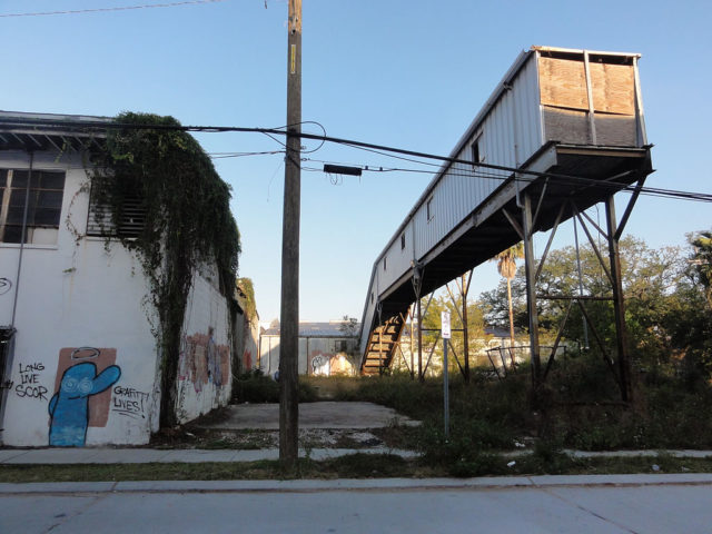 Mid-City New Orleans. Around the old Dixie Brewery complex, much of which is being demolished for the new medical center complex. Author: Bart Everson CC BY 2.0
