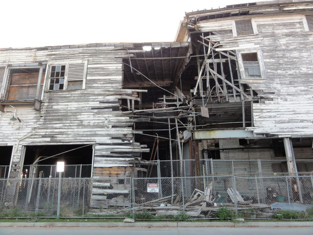Ruins of the wooden annex of the Dixie Brewery, New Orleans. Author: Bart Everson CC BY 2.0