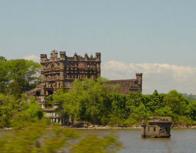 Bannerman's Castle on Pollepel Island from the left bank of the Hudson River.