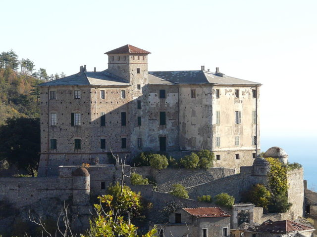 The castle built by the Del Carretto family. Author: Davide Papalini CC BY-SA 3.0