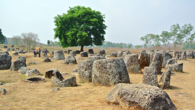 Plain of Jars – Site One. Author:James AntrobusCC BY 2.0