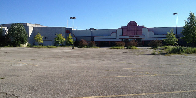 Magic Johnson Theaters – Randall Park Mall.Author: Mike Kalasnik CC BY-SA 2.0