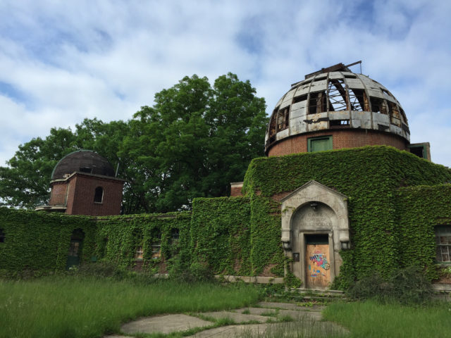 Warner & Swasey Observatory. Author: Mark Souther CC BY-SA 2.0