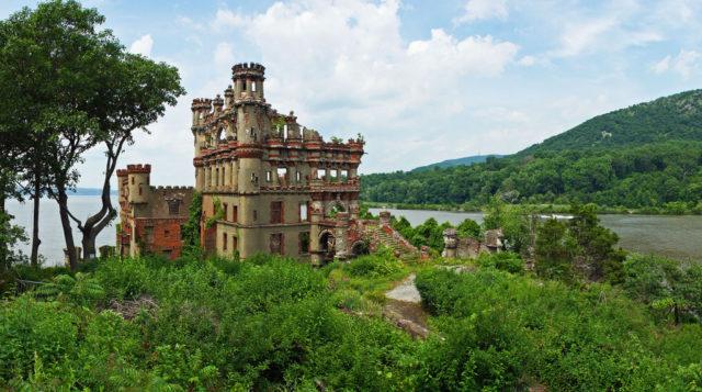 Bannersman Castle. Author: H.L.I.T. CC BY 2.0