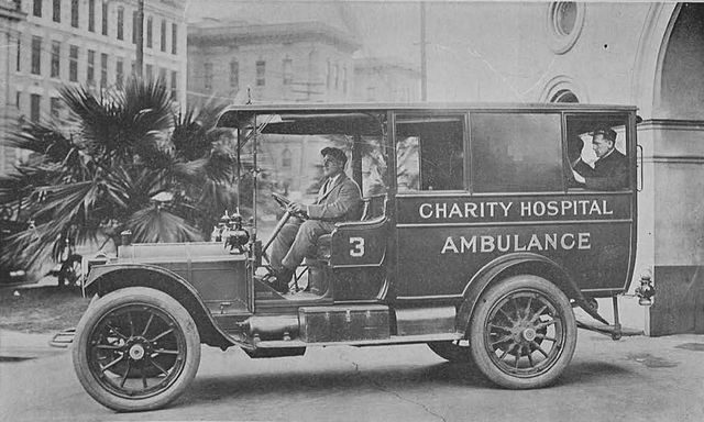 Ambulance, 1912. Author: Internet Archive Book ImagesCC BY-SA 2.0