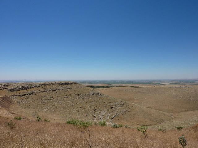 Gobekli Tepe surrounding area. Author: Zhengan CC BY-SA 4.0