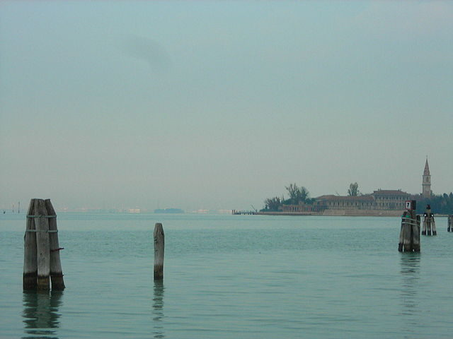 Panoramic view of the island of Poveglia. Author: Angelo Meneghini CC BY 3.0