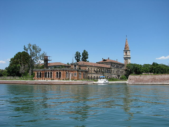 Poveglia's mental hospital. Author: Chris 73 CC BY-SA 3.0