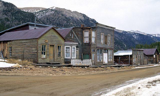 St. Elmo ghost town, Colorado, Rocky Mountains. Author:Darekk2CC BY-SA 3.0