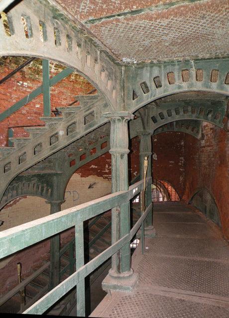 Interior view of Fort Alexander. Author: Витольд Муратов CC BY-SA 3.0