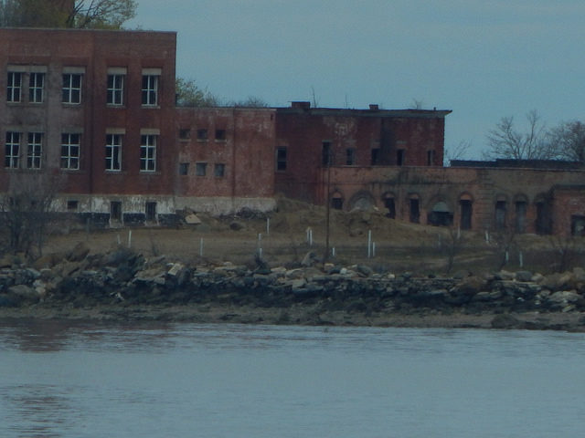 Abandoned Buildings – Taken from a boat. Author: Adam Moss CC BY-SA 2.0